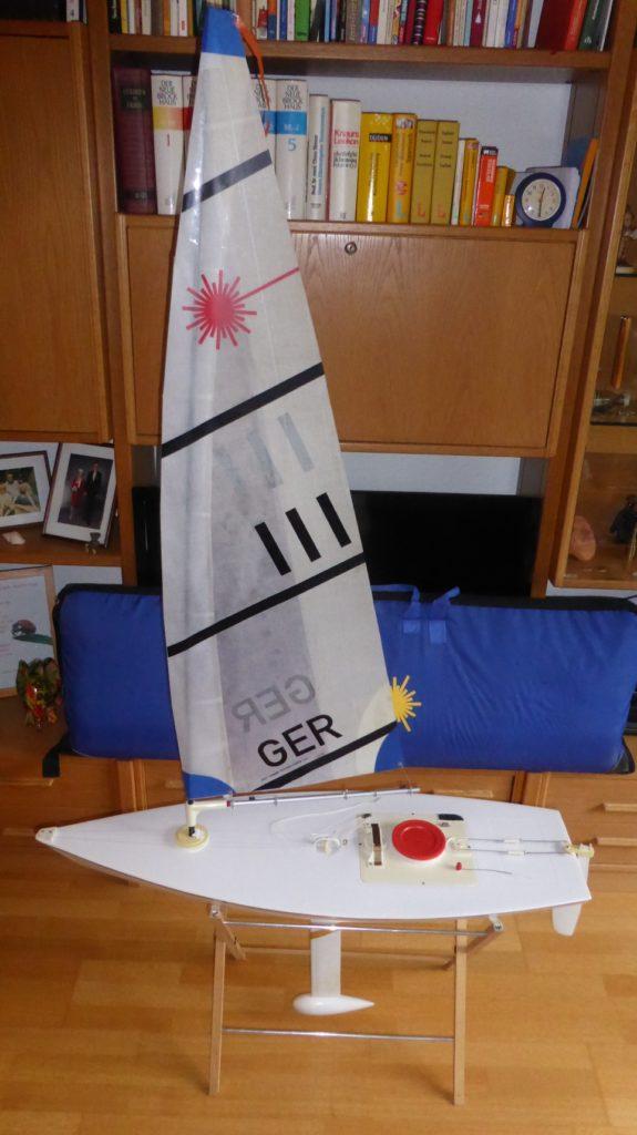 RC Laser GER 111 mit vier Riggsätzen – wurde verkauft – Welt